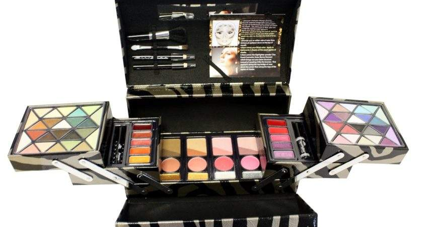Urban Fashion Makeup Case Markwins Beauty