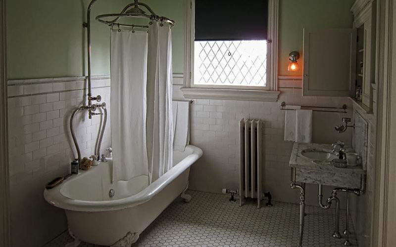 Victorian Campbell House Bathroom Photograph Daniel