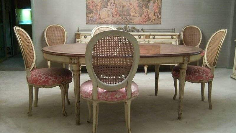 Vintage Dining Tables Chairs Elegant Wall Color