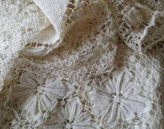 Vintage Hand Done Irish Lace Tablecloth Large