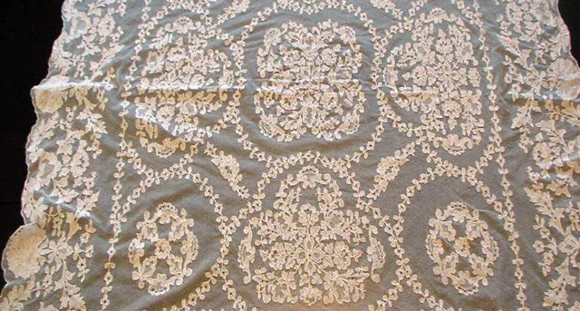 Vintage Irish Limerick Lace Tablecloth Hand