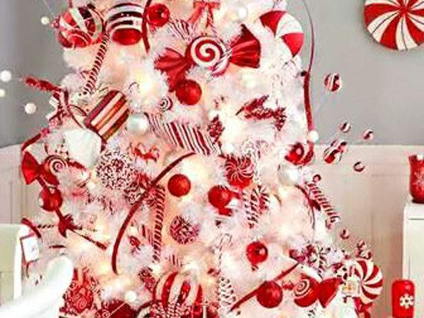 White Red Christmas Tree